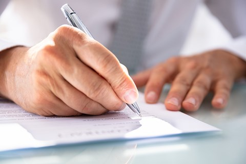 Are handwritten changes to a Will valid?